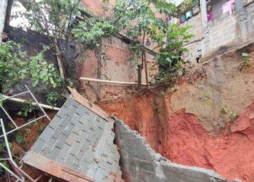 Famílias continuam desalojadas após queda de muro em Guarapari